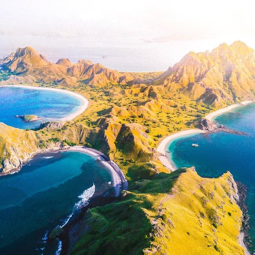 Afternoon scenery of Padar Island