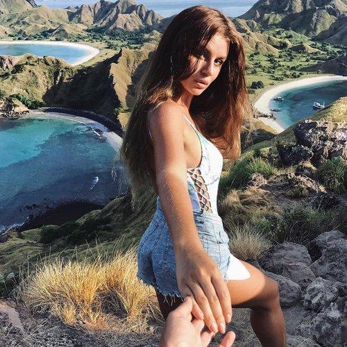 Yana on the top of Padar Island