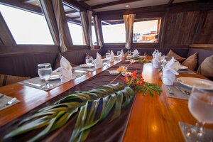 Enjoy first-class meals served in Damai I liveaboard dining area