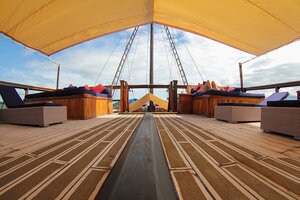 Open deck in Damai I liveaboard to relax
