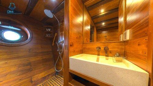 Damai II liveaboard provides a private bathroom