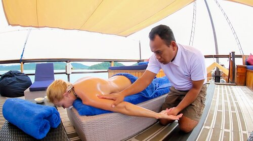 Damai I liveaboard offers a professional masseur for its guests