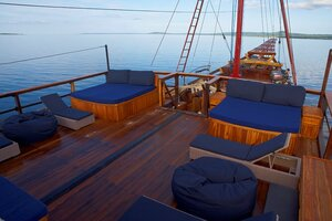 Damai I liveaboard bow deck overlooking the ocean