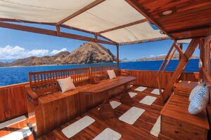 Nice lounge area on the deck of Helena liveaboard