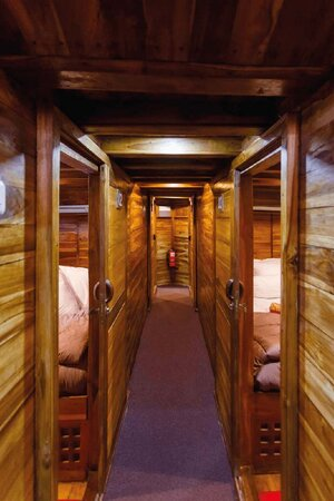 Hallways leads to guests cabin in Helena liveaboard