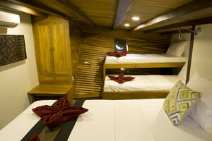 The cabin inside Leyla liveaboard have multiple beds