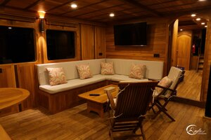 Leyla liveaboard have a comfortable living room for gathering