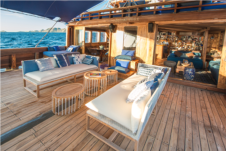 Comfortable deck with amazing ocean view | Ocean Pure liveaboard