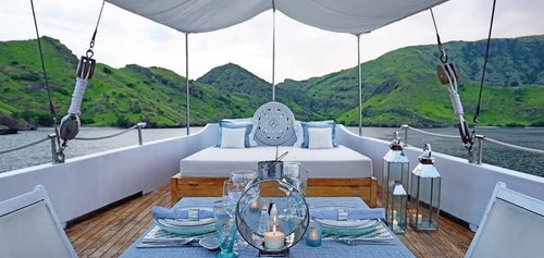 The romantic comfy area on the deck of Alexa liveaboard