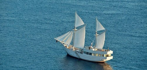 An exciting and romantic journey is waiting in Alexa liveaboard