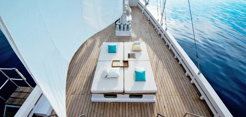 A relaxing area in the deck of Alexa liveaboard