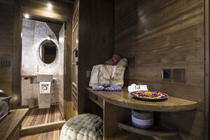Tiare liveaboard offers many facilities on board to satisfy guests