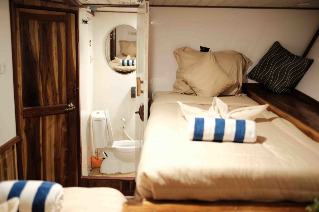 Cabin in Sinar Pagi with 2 single beds