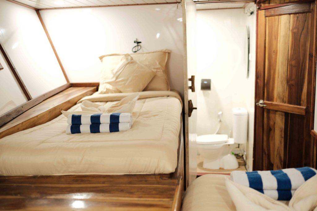 Cabin in SInar Pagi with private bathroom