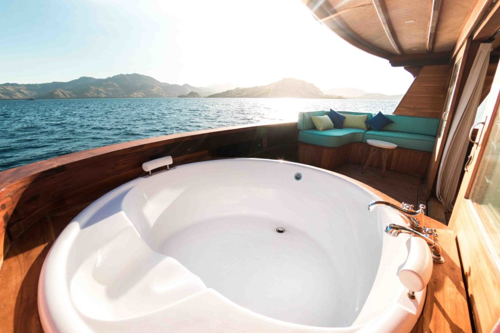 Luxurious outdoor jacuzzi in Magia 2 master cabin